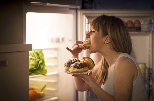 Leptine hormoon, jonge vrouw ongevoelig voor leptine met als gevolg eetbuiten.