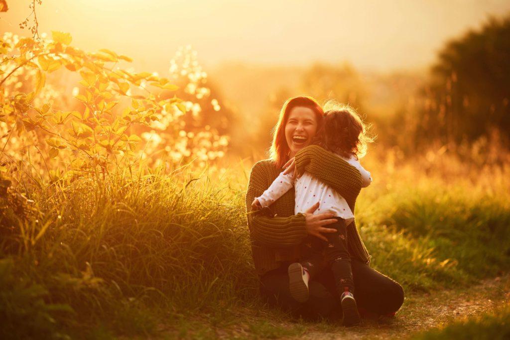 oxytocine hormoon, bij knuffelen komt oxytocine vrij
